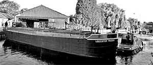 Leicester Trader barge
